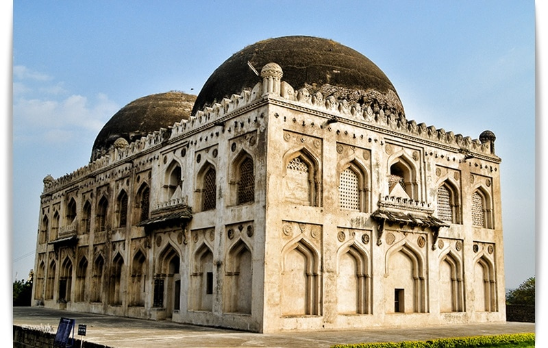"The Haft Gumbaz meaning ""Seven Domes"" located in Gulbarga. Seven Bahmani Shah's are entombed here."